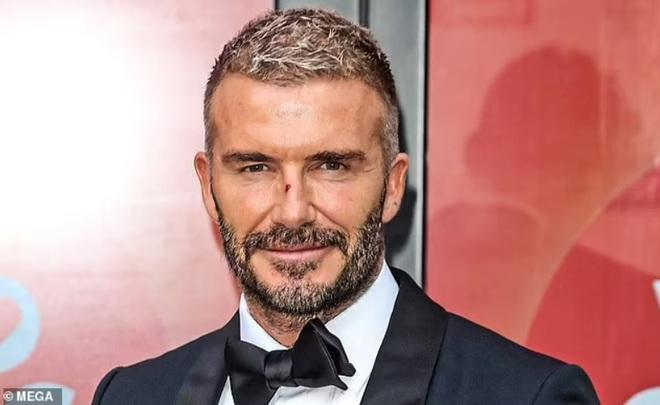 David Beckham bỗng nhiên không còn nếp nhăn khiến fan thấy lạ lẫm - ảnh 1