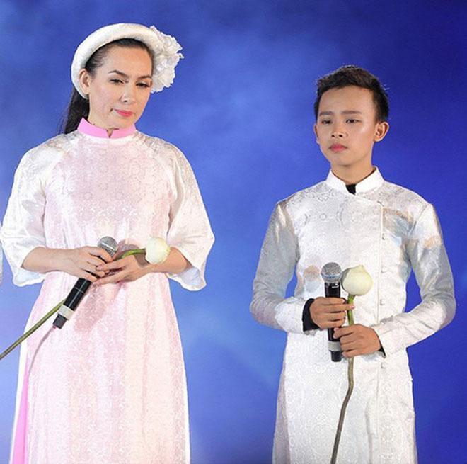 Nhiếp ảnh gia nổi tiếng 'đá' cả Trang Trần lẫn ê-kíp Phi Nhung? - ảnh 1