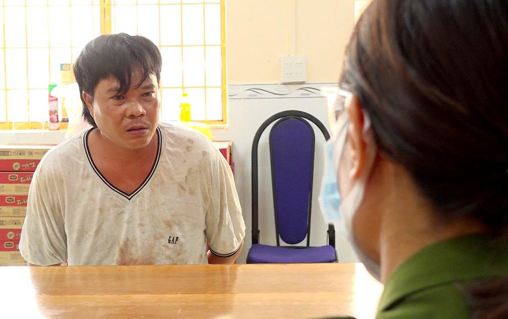 An Giang: Một phụ nữ đang giặt đồ bị hàng xóm đâm hàng chục nhát tử vong, 2 người khác bị đâm nguy kịch - ảnh 1