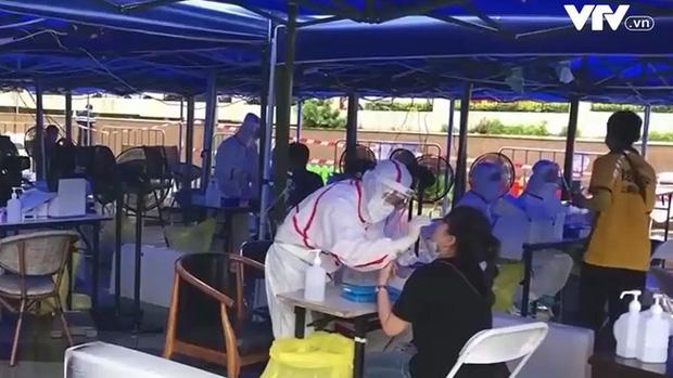 Trung Quốc cảnh báo dịch kép COVID-19 và cúm mùa